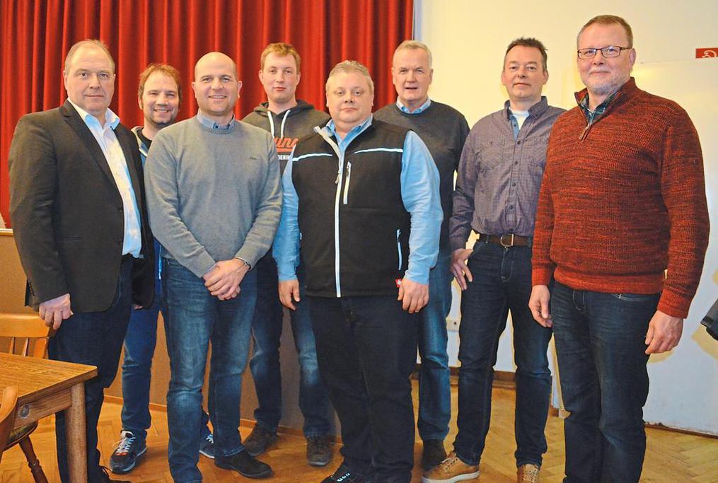 Vorsitzender Hubert Möllmann (links) und der Vorstand der St.-Jacobi-Schützenbruderschaft gehen zufrieden in ein weiteres Vereinsjahr.